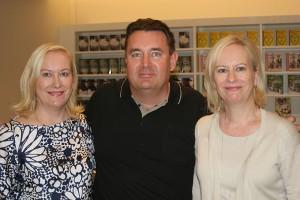 Tiina Nopola, Timo Koivusalo ja Sinikka Nopola. Kuva: Artista Filmi Oy.